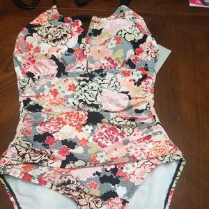 Kenneth Cole Tummy Toner Flowered Bathing Suit NEW